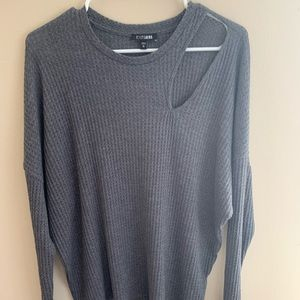 Gray oversized cut out thermal